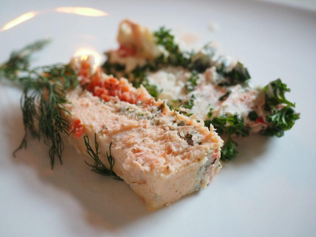 Terrina de salmon con vino blanco